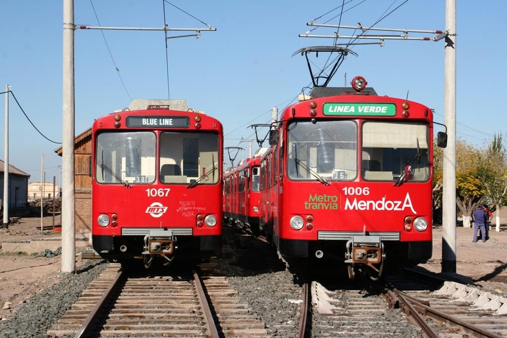 Der Ausbau der Stadtbahn in Mendoza / Argentinien geht endlich voran. Auch der Trolleybus fährt wieder..
